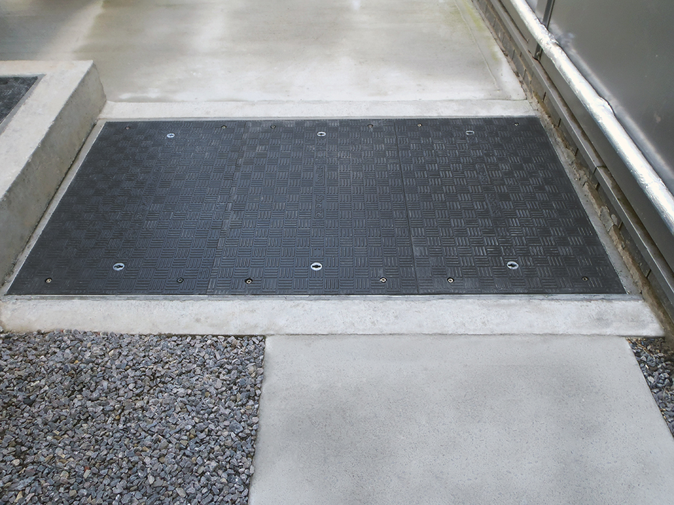 Fibrelite covers are resistant to corrosion and adverse weather conditions.