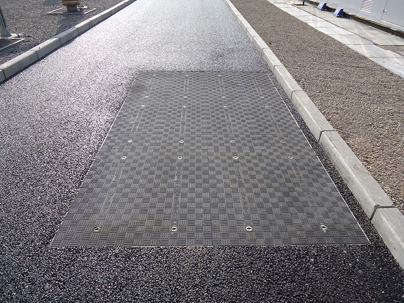 D400 covers installed in an access road on the site