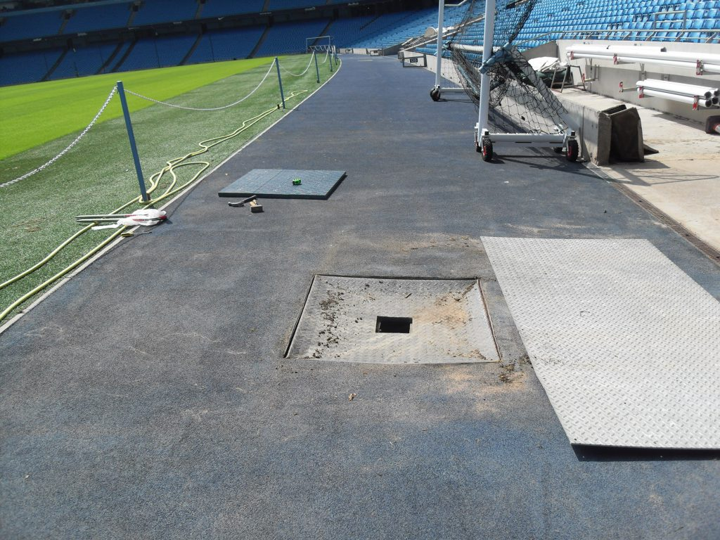 The damaged reinforced steel cover to be replaced by Fibrelite's trench covers