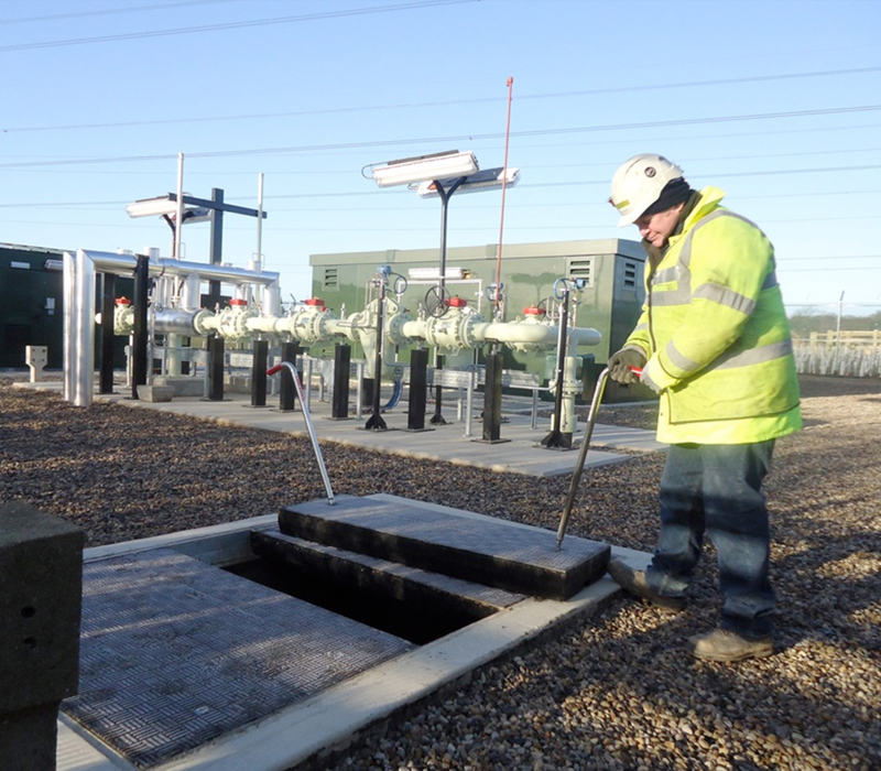 Easy and safe access to underground systems