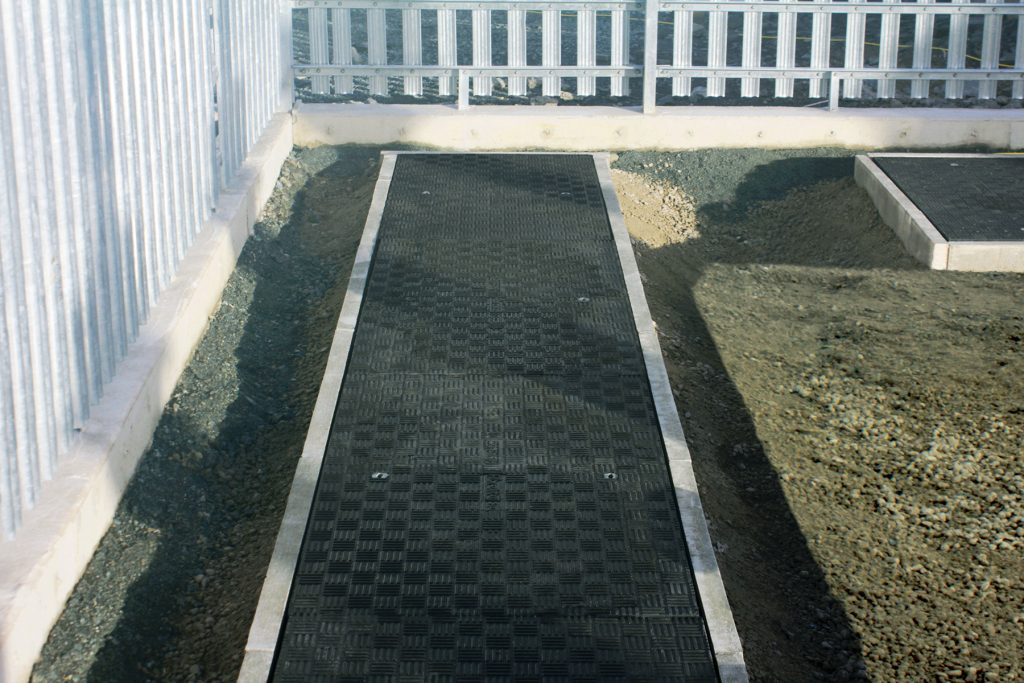 The standard Fibrelite tread pattern provided the perfect slip resistance required for a safe walking surface