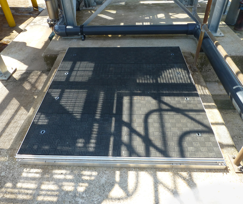 The Fibrelite A15 (1.5 tonne) load rated super light duty trench access covers