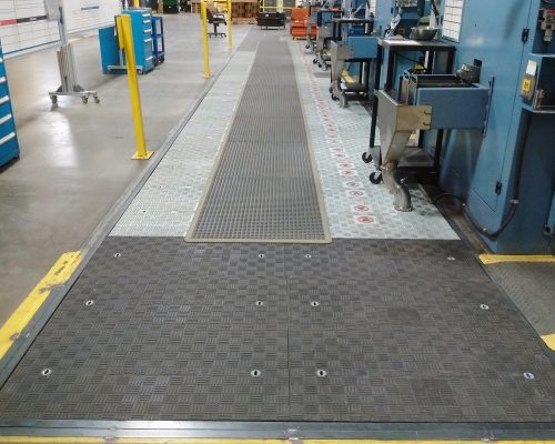 Lightweight Fibrelite FRP trench covers allow easy safe manual removal