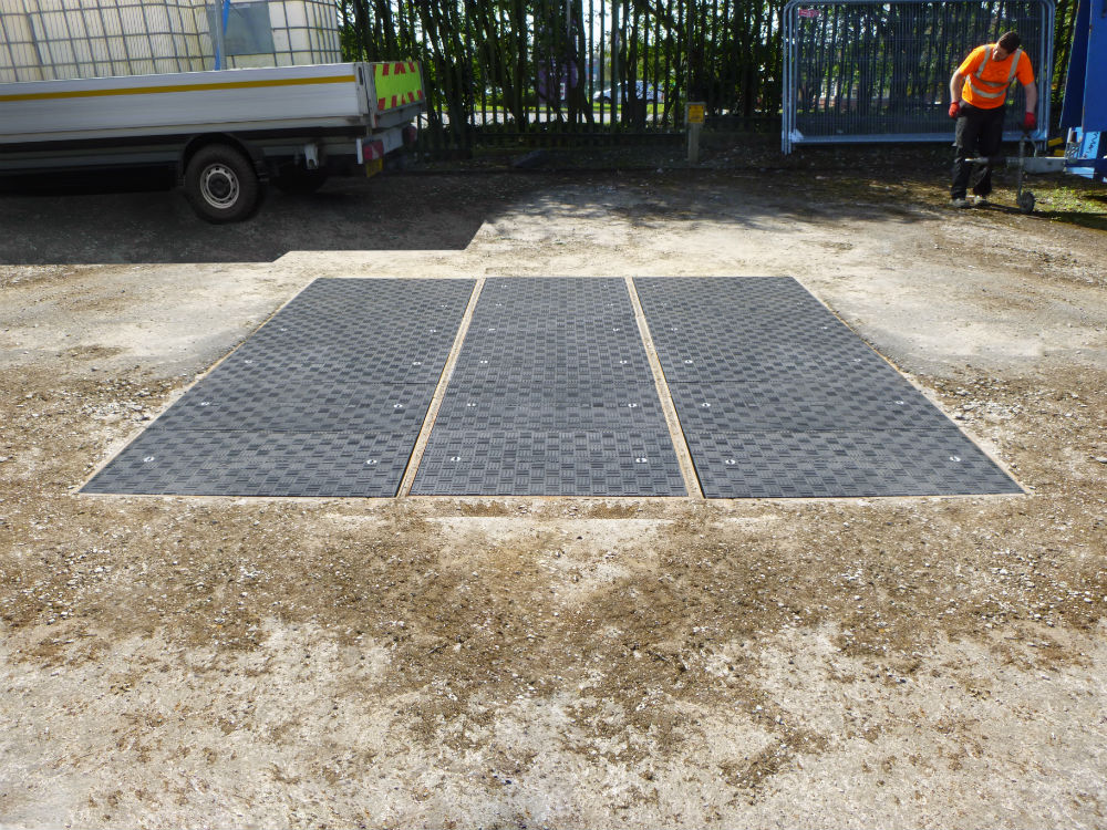 Cadent Gas upgraded their heavy concrete covers to lightweight Fibrelite covers
